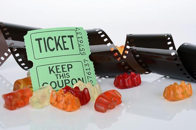 film, lístky a medvídci