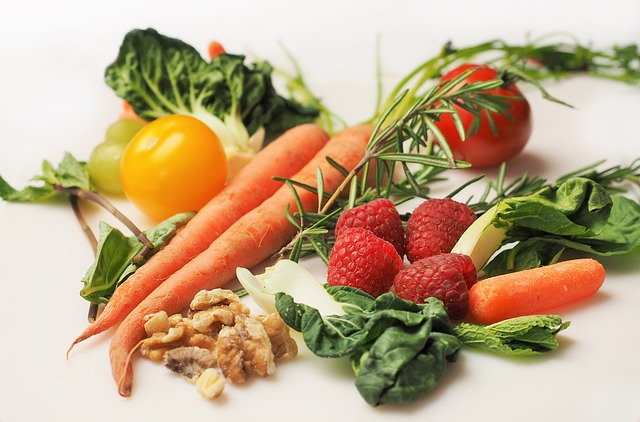 ovoce, zelenina a ořechy