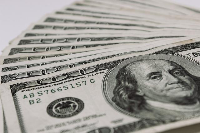 dolarová měna